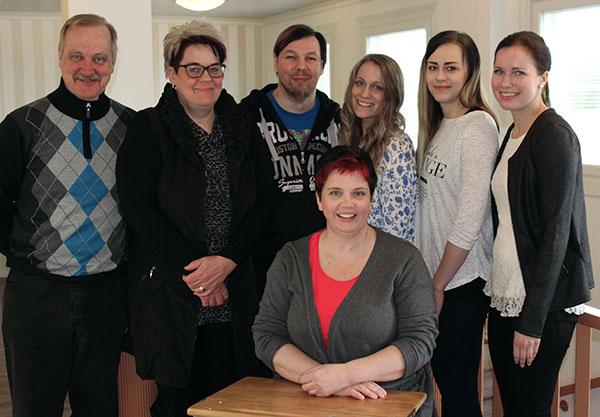 Hallitus 2017. Vasemmalta Matti, Lea, Jone, Laura, Miia ja Sofia. Edessä Jaana.